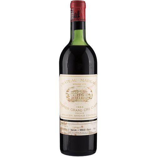 Château Margaux. Cosecha 1963. Grand Vin.  Premier Grand Cru Classé. Margaux. Nivel: en el hombro superior. ...