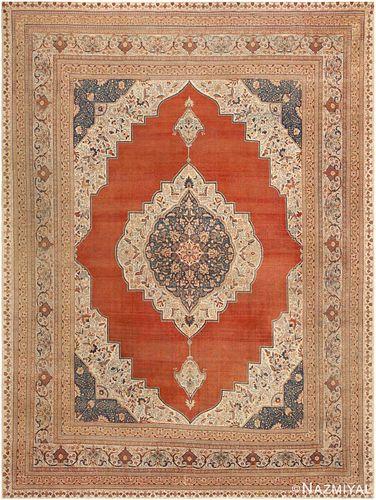 Antique Persian Tabriz carpet , 9 ft 7 in x 12 ft 9 in (2.92 m x 3.89 m)