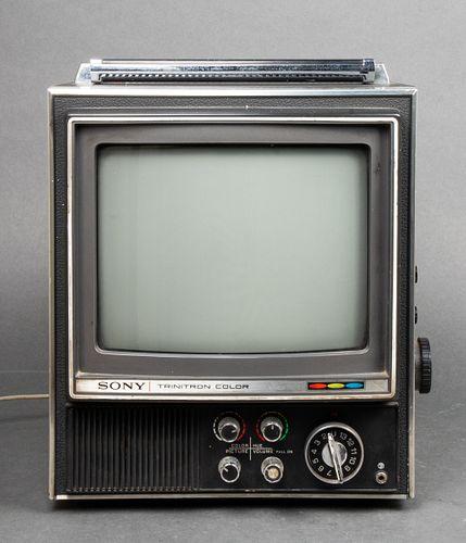 Sony Trinitron Color TV Receiver, KV-9000U
