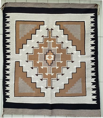 Finely woven Two Grey Hills/Crystal Navajo Rug