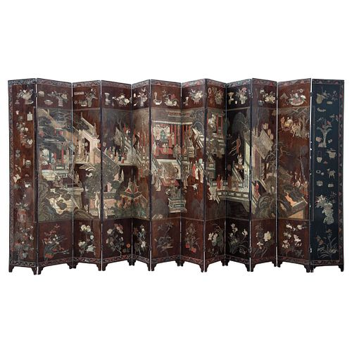 Coromandel Lacquer Folding Screen, Asia, Late 18th century, Twelve double-view panels in lacquered and enameled wood decorated with Chinoiserie.
