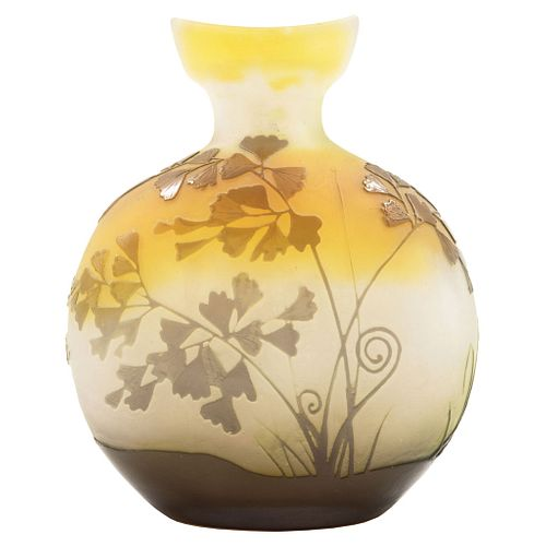 EMILE GALLÉ, France, 19th century, Vase, ART NOUVEAU style cameo crystal. Signed.
