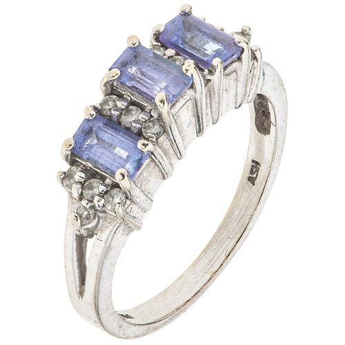 TANZANITES AND DIAMONDS RING. 14K WHITE GOLD