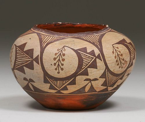 VERY OLD ACOMA POT, BLACK-ON-GRAY: POSSIBLY CEREMONIAL