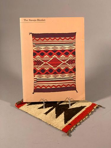 Kahlenberg, Mary Hunt, and Berlant, Anthony. The Navajo Blanket.
