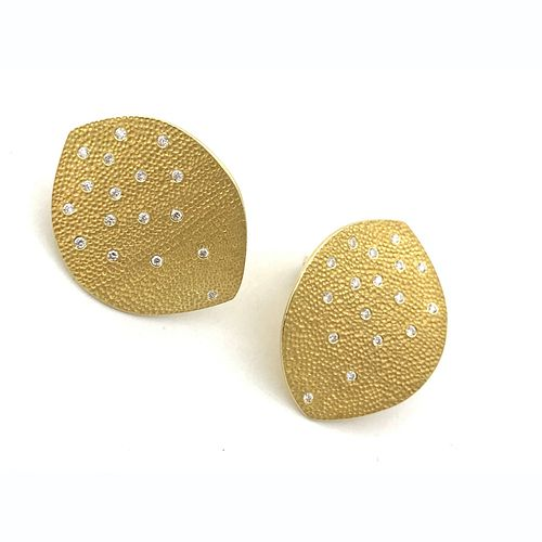 Leaf earrings in 18K gold and in sterling silver with diamonds