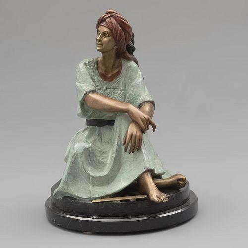 """Víctor Guitérrez. """"Claudia"""". Firmado y fechado '80. Fundición en bronce XIX - XX. Con placa y base de mármol negro jaspeado."""
