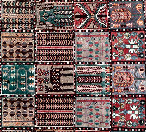 Tapete. Persia, Shirak. Siglo XX. 4 Estaciones en diseño casetonado. Anudado a mano en fibras de lana. 280 x 186 cm