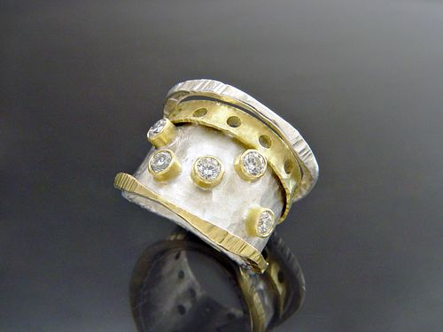 Pocka Diamonds Ring