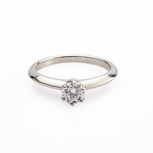 TIFFANY & CO. DIAMOND PLATINUM SOLITAIRE