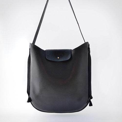 Black Shoulder Bag with Fiber Tassels