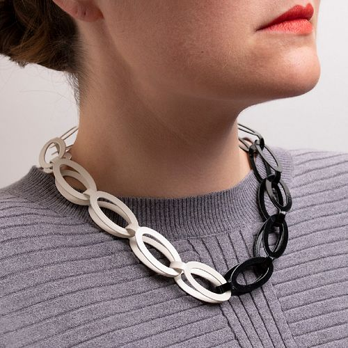 14pc Oval Chain in black and cream