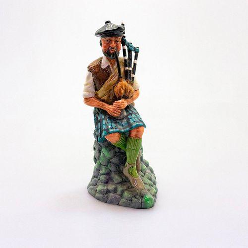 Piper HN2907 - Royal Doulton Figurine