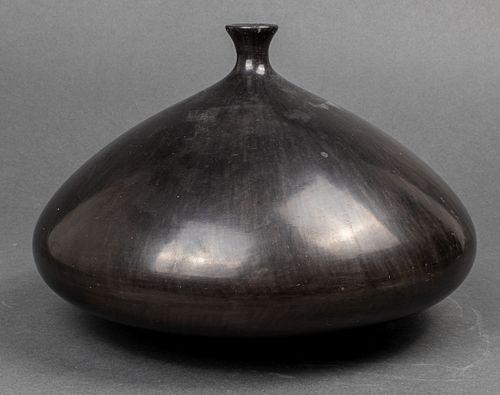 Gio Ponti & Carlo Alberto Rossi Bucchero Vase