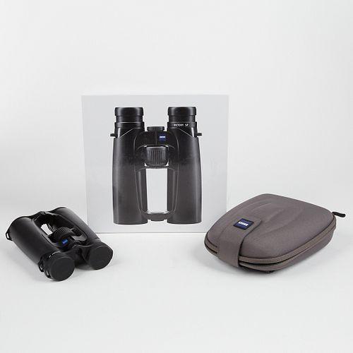 Zeiss Victory SF 8x42 Binoculars - In Box