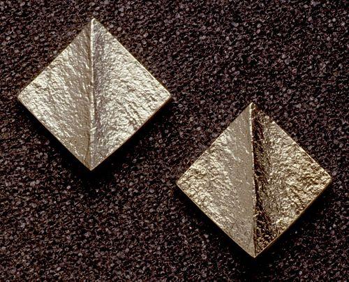 "Square earrings 9/16"""