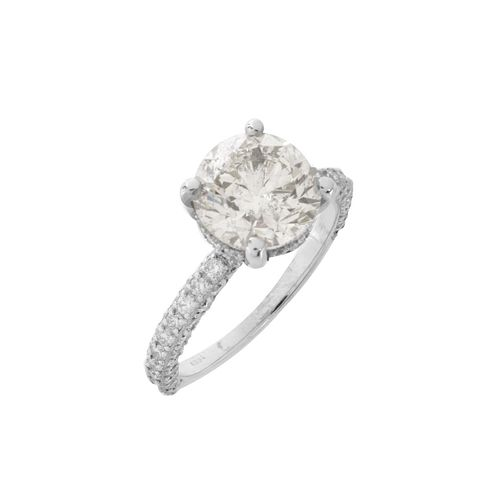 IGL Diamond and 18K Engagement Ring