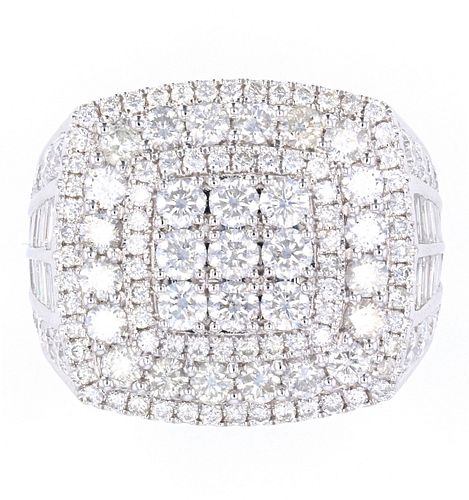 Outstanding Men's 14K Ring with 5.56ct of Diamonds