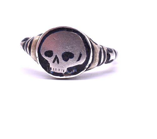 Silver Gilt and Enamel Late Renaissance Skull Ring, c1620