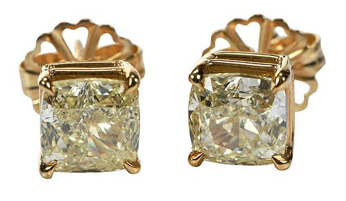 3.66tcw. Natural Yellow Diamond Earrings