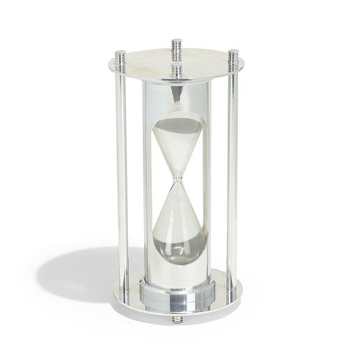 1970s, Monumental hourglass