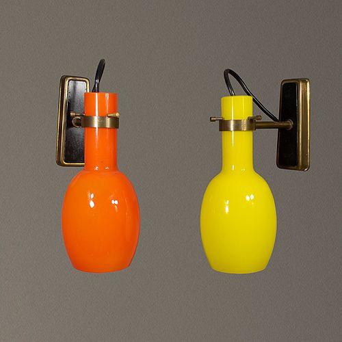 Par de arbotantes estilo Stilnovo en cristal naranja y amarillo / Stilnovo style pair of yellow & orange sconces