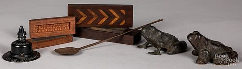 Two frog doorstops, etc.