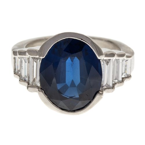 A 9.50 ct Sapphire & Diamond Ring in Platinum