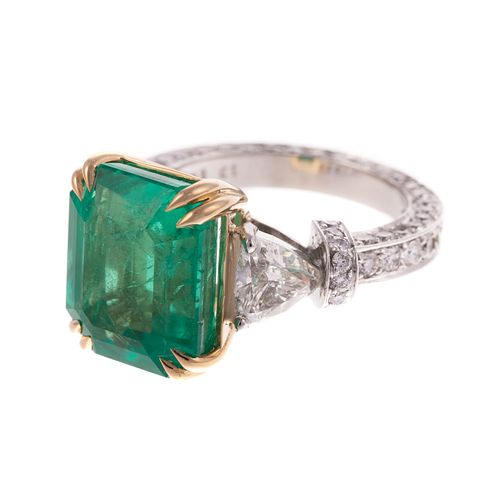 A 9.92 ct Colombian Emerald & Diamond Ring in 18K