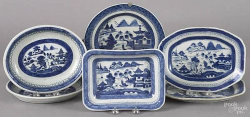 Six Chinese export porcelain Canton serving dish