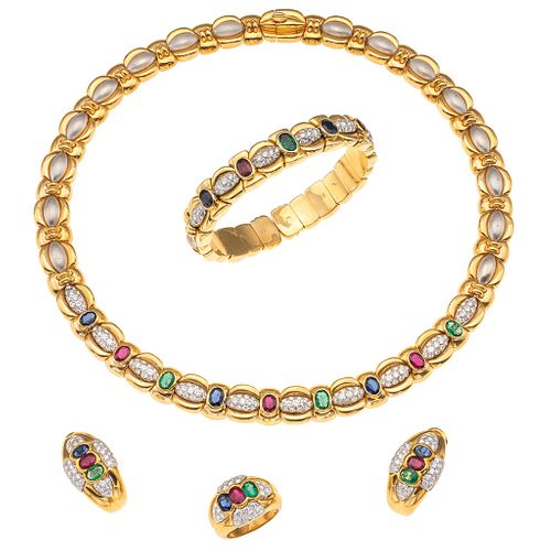 SET OF NECKLACE, BRACELET, RING AND PAIR OF EARRINGS WITH EMERALDS, RUBIES, SAPPHIRES AND DIAMONDS IN 18K YELLOW AND WHITE GOLD