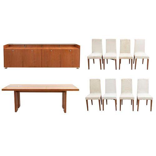 Comedor. Estructura de madera y triplay. Consta de: ENNIO AROSIO, Mesa, Modelo Ritz. Otros.
