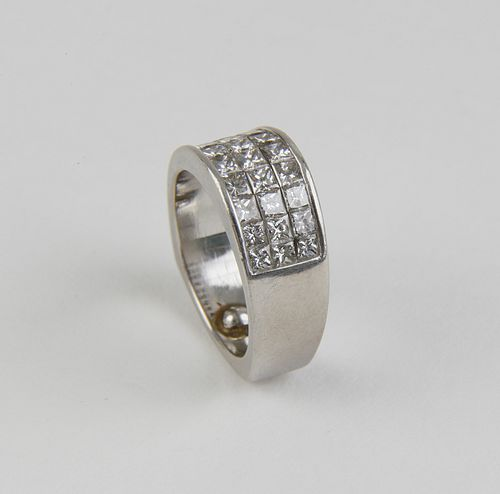 Simon G. Platinum Invisible Set Diamond Ring