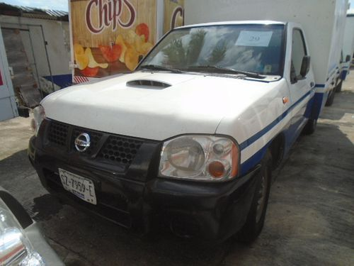 Camioneta Nissan D21 2009