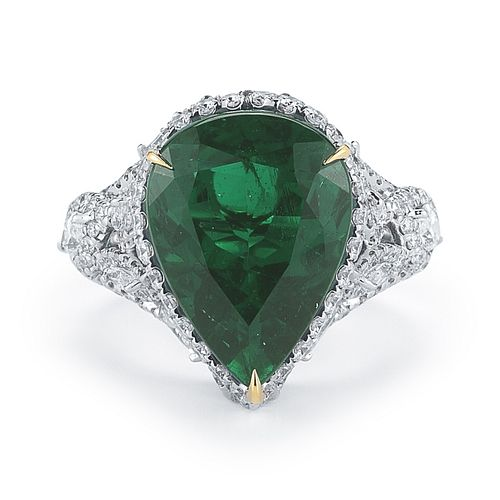 7.8CT PEAR SHAPE EMERALD AND DIAMOND RING