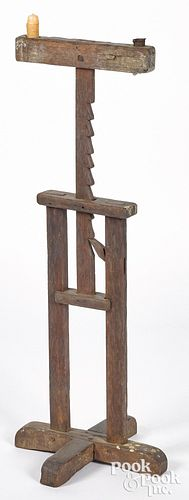 Oak ratchet candlestand, mid 18th c.