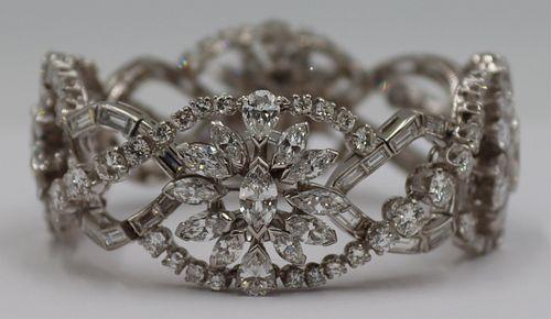 JEWELRY. Platinum and 26.5ct Diamond Bracelet.
