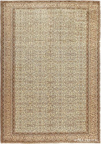 ANTIQUE TURKISH SIVAS RUG, 9 ft 7 in x 6 ft 8 in