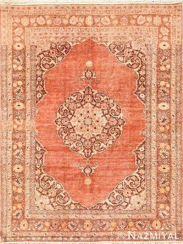 ANTIQUE PERSIAN TABRIZ RUG, 5 ft 8 in x 4 ft 7 in