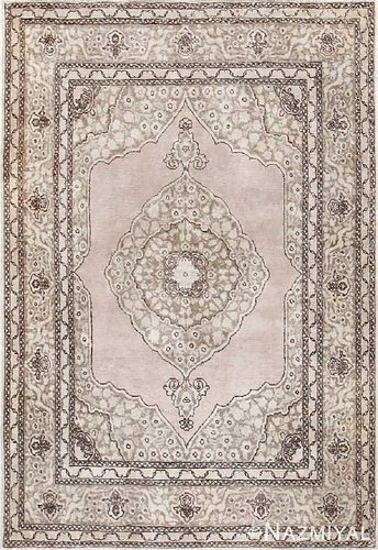 ANTIQUE PERSIAN TABRIZ RUG, 6 ft x 4 ft