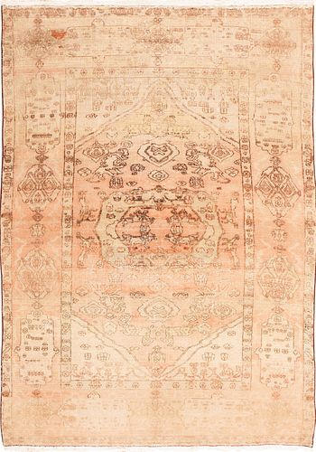 VINTAGE INDIAN AGRA RUG, 8 ft 4 in x 5 ft 8 in