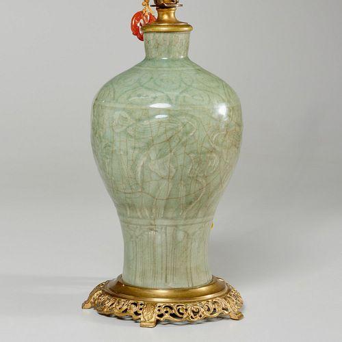 Nice Chinese celadon porcelain vase lamp