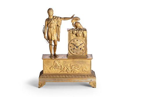 Pendola in bronzo dorato con David, che prima di andare a combattere il gigante Golia, rifiuta di armarsi, ornata sul fronte da fregio con il carro di