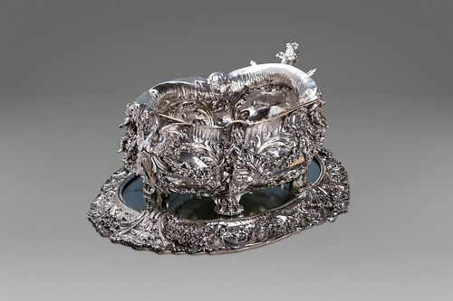 Large silver centerpiece, Genazzi, Milan, late 19th - early 20th century