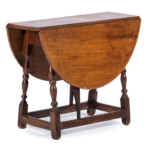A William and Mary Turned Maple and Pine Butterfly Table, New England, Circa 1710