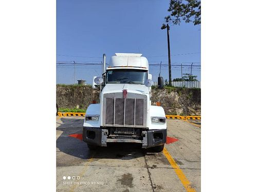 Tractocamion Kenworth T800 2004