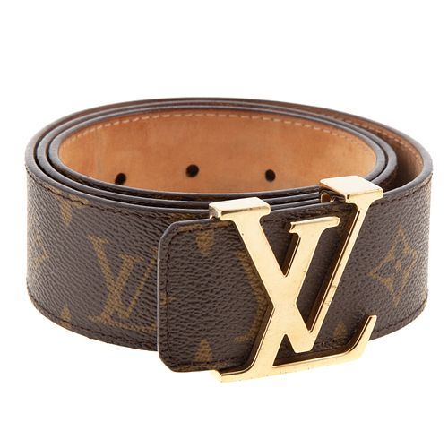 A Louis Vuitton Initiales Leather Belt
