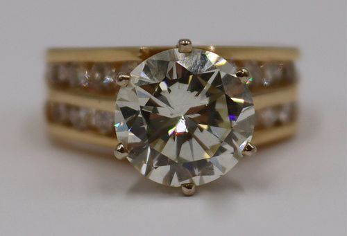 JEWELRY. 2.99 ct Diamond and 14kt Gold Ring.