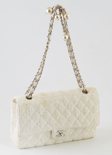 Limited Edition Chanel Ginza Shoulder Bag, c. 2004, in cream tweed quilted canvas with a silver chain double handle interlaced with white leather and