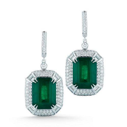 EMERALD AND DIAMOND EARRING